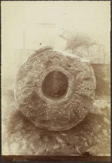 Tula. Anneau en pierre