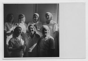 Sans titre [portrait d'infirmières]
