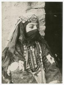Femme tcharsavend