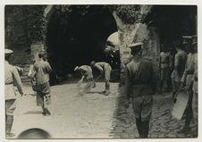 Parade militaire de l'hygiène à Tali-Fou