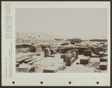 Temple dallé avec 3 marches d'escalier (Ouest des alignements)