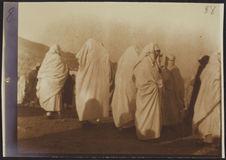 Femmes drapées