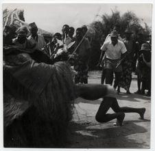 Mokambé. Initiation