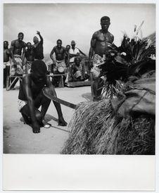 Kongoboumba, Ogoué, cérémonie d'intronisation d'un jeune pagayeur Okandé