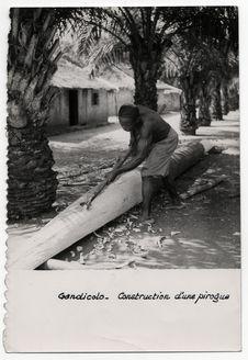 Construction d'une pirogue