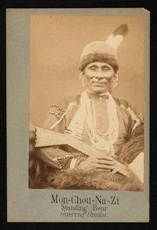 Mon-Chou-Na-Zi, Standing Bear, Guerrier Omaha