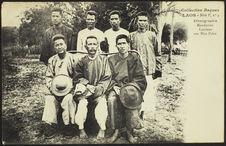 Mandarins et Laotiens aux Hua-Pahn