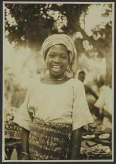 Habillement de femme, Ouidah, Dahomey