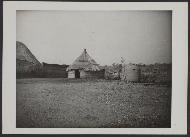 Village près de Tibati
