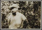 Sans titre [Homme portant un chapeau et une longue barbiche]