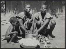 Préparation du manioc au pays gouro