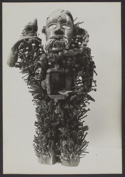 Statue à clous Bavili, Moyen Congo
