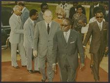Sans titre [Visite de Léopold Sédar Senghor au musée de la Côte d'Ivoire à...