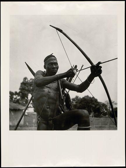 Dahomey. Natitingou, 1936 [Portrait d'archer]