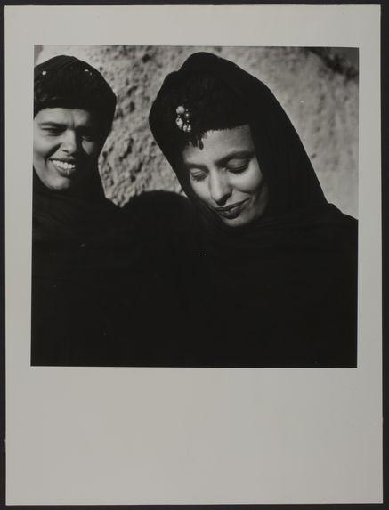 Portrait de deux femmes