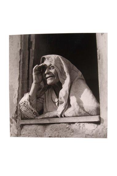 Brésil [Femme à la fenêtre]