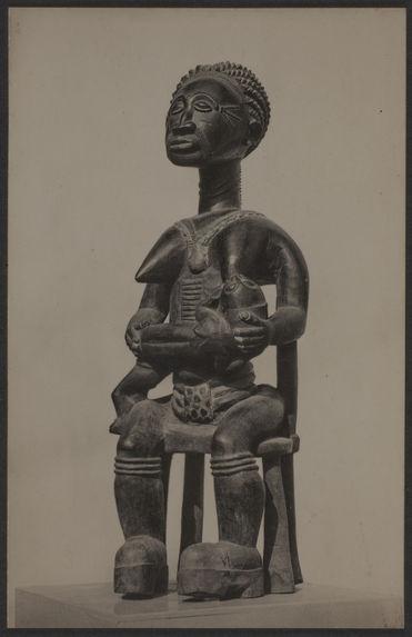 Statue commémorative baoulé