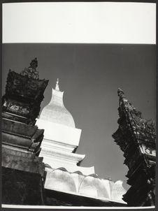 Sans titre [le temple bouddhiste Pha That Luang]