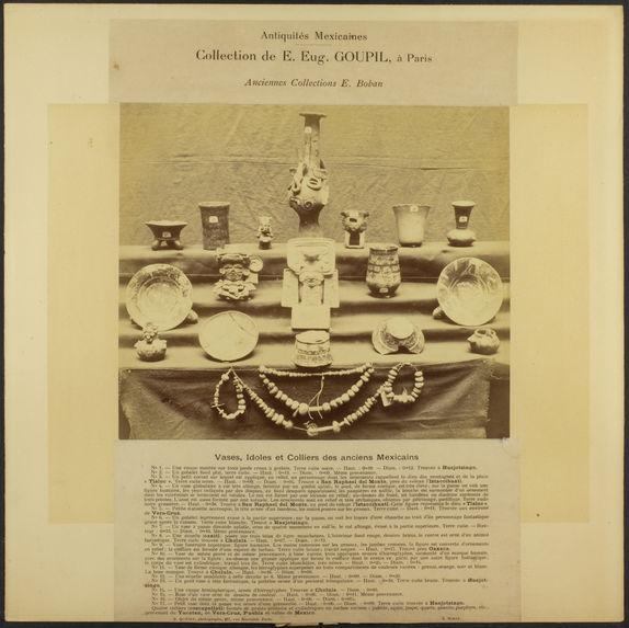 Vases, idoles et colliers des anciens Mexicains