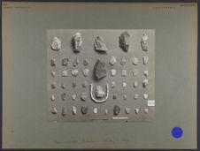 Sibérie occidentale, préhistoire [Outils lithiques et perles en os]