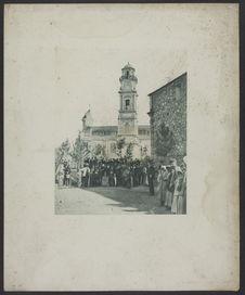 Sans titre [Sur la place de l'église de Calenzana]