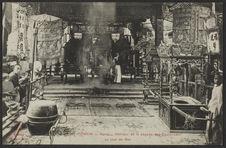Intérieur de la pagode des Cantonnais un jour de fête
