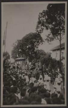 Défilé du cortège royal au Boulevard Doudart de Lagrée à Phnom Penh