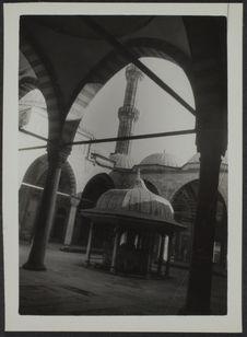 Istambul. Sehzade Cami (cour intérieure avec la fontaine)