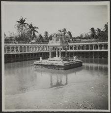 Jambukeswaram. Bassin sacré