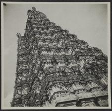 Madura. Temple I gapuram