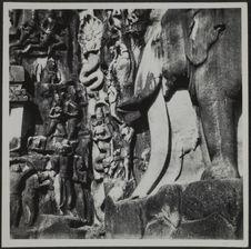Naissance du Gange. Roi Nâga et nâgi