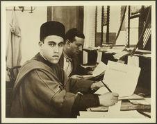 Interprète au service des douanes. Ancien élève de l'école musulmane de Tanger