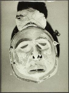Masque représentant un mort. Colombie Britannique : tribu Tlingit