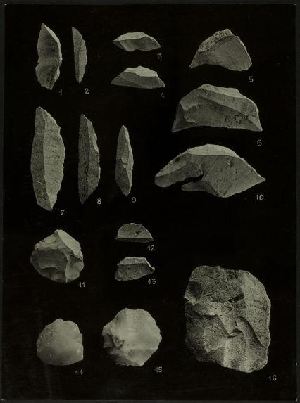 Recherches préhistoriques dans la région de Boko-Songho. Planche XVI [industrie lithique]