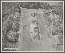 Sans titre [vue aérienne d'un site archéologique mexicain]