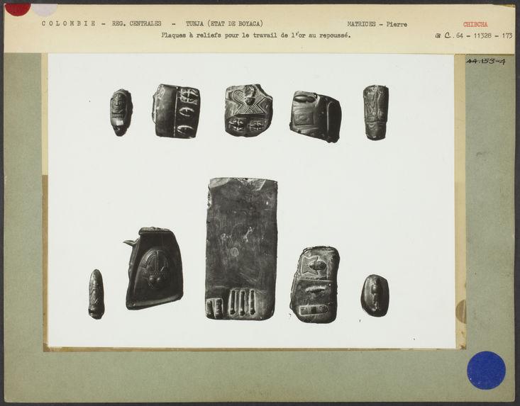 Tunja. Plaques à reliefs pour le travail de l'or au repoussé
