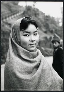 Jeune femme de type mongol