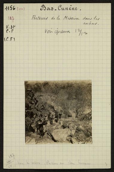 Bas-Cunène, porteurs de la mission dans les rochers