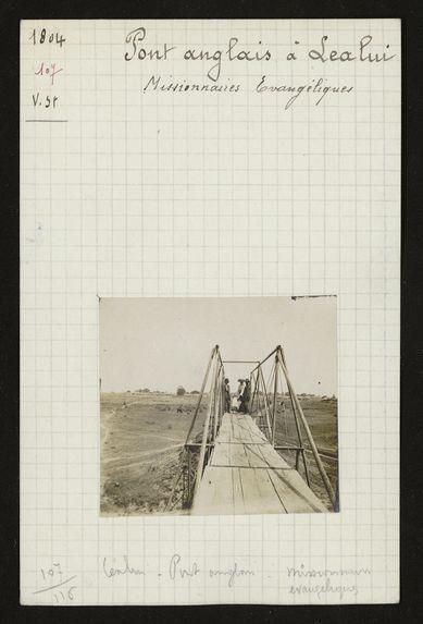 Pont anglais à Lealui, missionnaires évangéliques