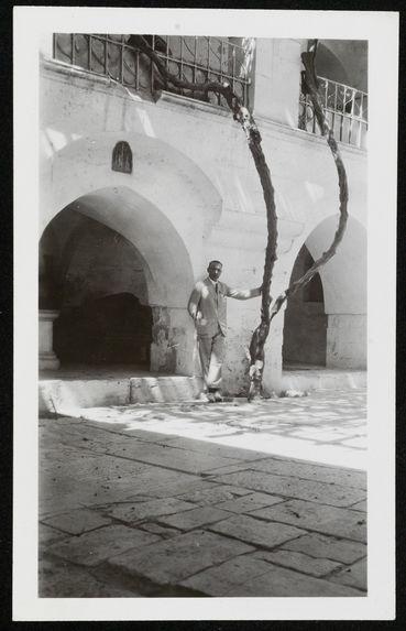 Jérusalem, dans le monastère arménien, prof Victorin