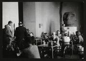 Congrès des Américanistes 1947, au bar du Musée de l'Homme