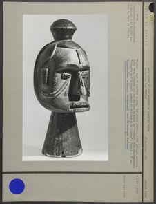 Sculpture en bois représentant une tête