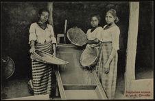 Singhalese women at work