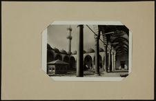 Süleymaniye Caminsinin içi ve Cesmesi - Cour et fontaine de la mosquée...