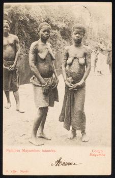 Femmes Mayumbes tatouées