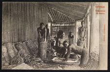 Congo. Préparation du manioc