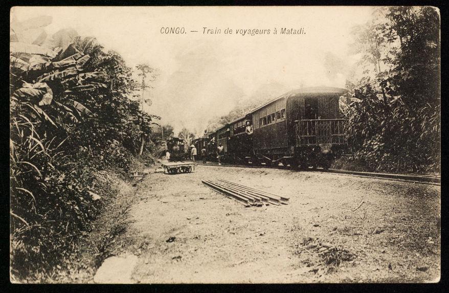 Train de voyageurs à Matadi