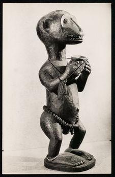 Image d'une divinité inférieure à tête de chimpanzé, employée dans les rites...