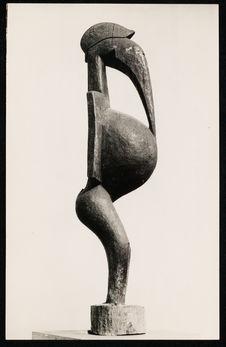 Grande sculpture anthropo-zoomorphe