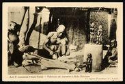 Fabricant de statuettes à Bobo Dioulasso